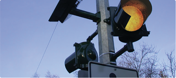 Carmanah Introduces Solar-powered Roadway Flasher Featuring ENCOM Wireless Control Technology