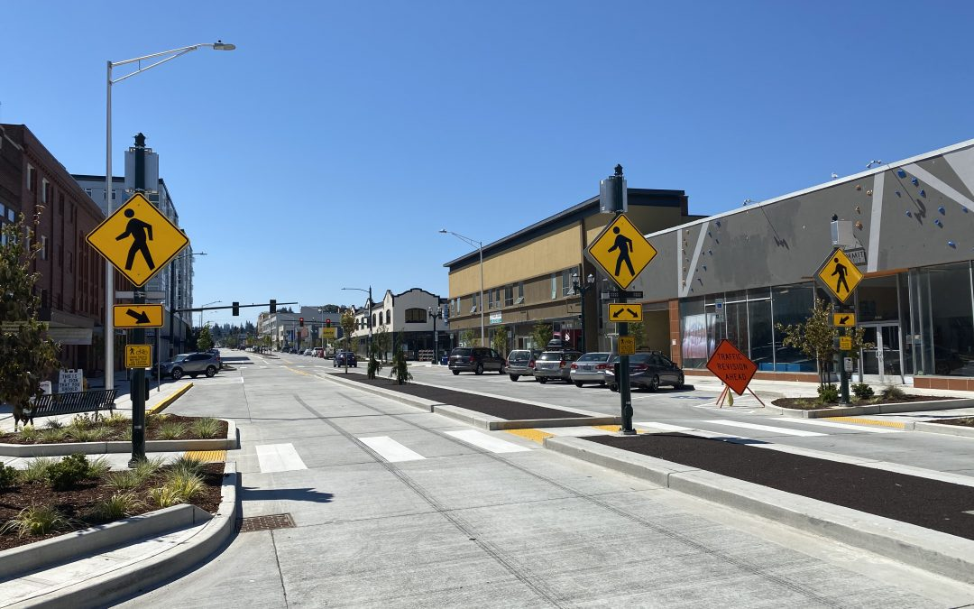 Rapid-flashing beacons help Everett, WA create a safer, more walkable downtown
