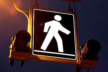 R450 Edge-lit Pedestrian Crossing Sign